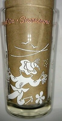 THE WIZARD of Oz. SWIFT PEANUT BUTTER GLASS. VINTAGE. '50's. SCARECROW.  RARE.