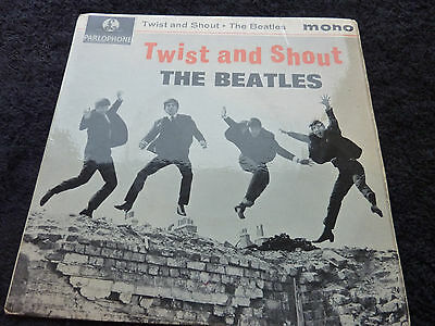 The Beatles Twist and Shout UK EP Mono GEP 8882 VG+/VG+ to EX Parlophone Rim