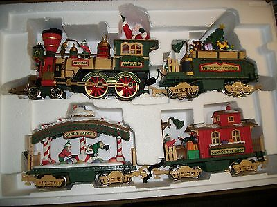 New Bright, Holiday Express, Animated Christmas Train Set,,complete, G  Scale