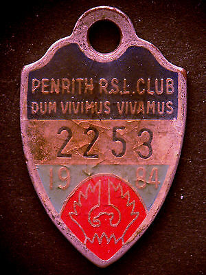 Vintage Penrith RSL Club Member Enamel Badge 1984