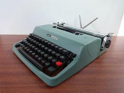 Olivetti Lettera 32 Typewriter with Case
