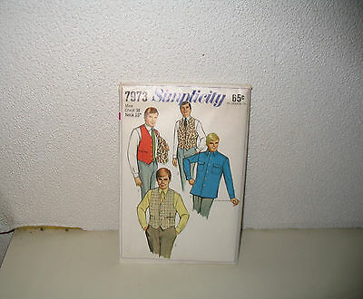 Simplicity Pattern 7973 Mens Shirt And Reversible Vest 16 1/2