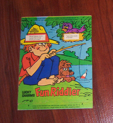 1960's or '70s LUCKY CHARMS Cereal Fun Riddler Premium Toy Unused