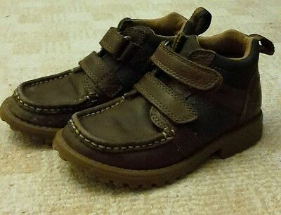 Boys clarks boots size 9 G