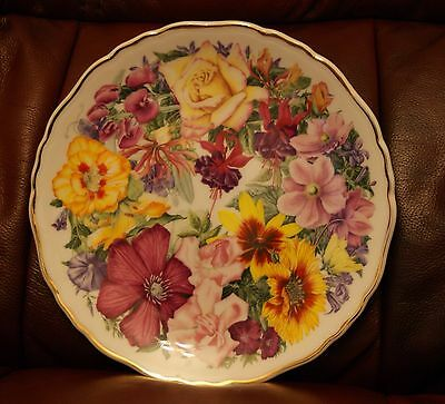 Royal Albert Birthday Bouquet for the Queen collector plate