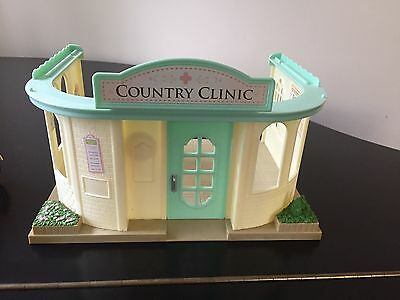 sylvanian families Country Clinic