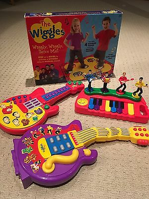 Spinmaster The Wiggles Lot ~ 2 Guitars, Dance Mat, Piano Character Set Excellent