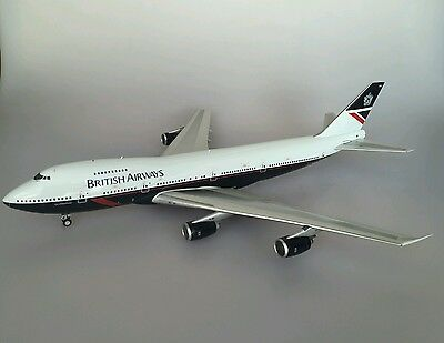 Boeing 747-200 British Airways with a stand in 1/200 scale