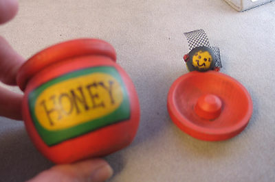 3 Miniature wood honeypot with bumblebees
