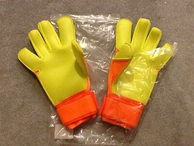 Nike Adult Goalkeeper gloves Size 11