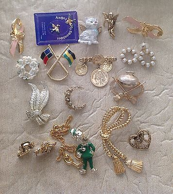 Mixed Lot Costume Jewelry lot of Brooches Pins Necklace Parts 19 pcs. Lot 198