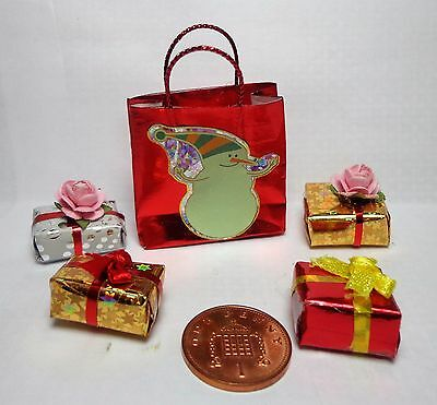 1:12th Scale Shopping bag & 4 Presents Doll house Miniatures ( Random)