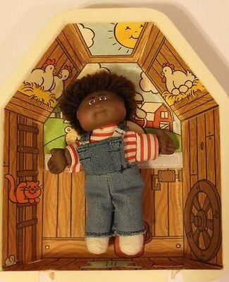 Vintage Limited Collectible Mini Cabbage Patch Doll with a House Maqic Snap
