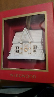 WEDGWOOD  ORNAMENT  2005 OUR NEW HOME very nice HOUSE FAMILY