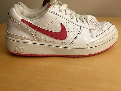 Women's White & Pink Nike Shoes Size 10