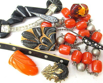 LOT OF 8 Vintage BAKELITE & Celluloid Jewelry Necklace Dress Clip Broohes 1930s