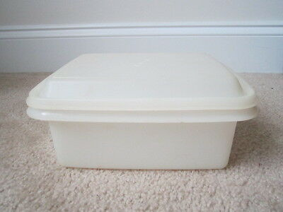 Vintage Tupperware Ice Cream Keeper Saver Half Gallon Freeze n Save Container
