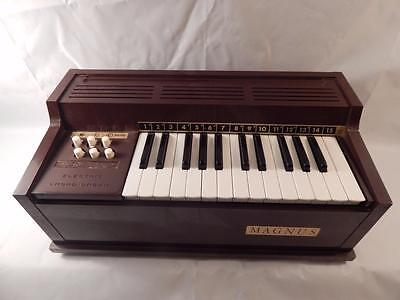 Magnus Table Top Electric Chord Organ Model 300 Made in U.S.A. WORKS!