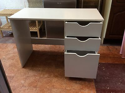 Childs White Office/Bedroom Desk with 3 x Drawers