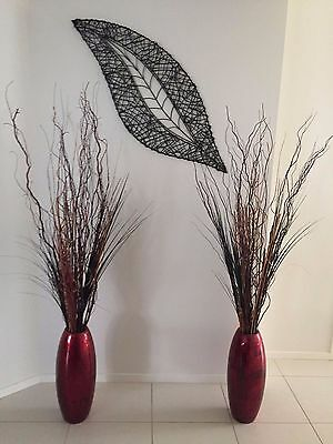 Set of 2 vases with decorative sticks included