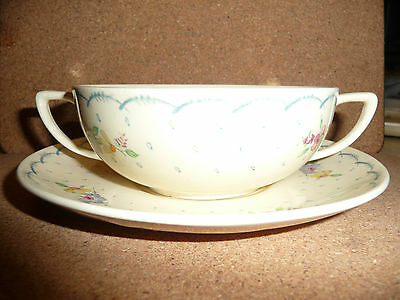 1930's Vintage Susie Cooper soup coupe and stand in Printemps pattern.