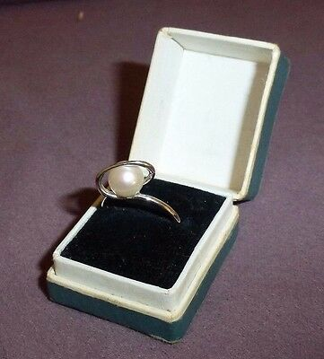 Vintage French 14k white gold solitaire pearl ring circa 1960s very stylish