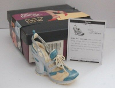 Just The Right Shoe - Stylin' - Item No 25447