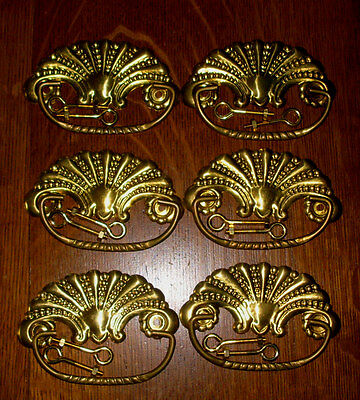 (( # 22 A )) ((( Fan Design Dresser Drawer Pulls )))) (((( Set Of 6 )))