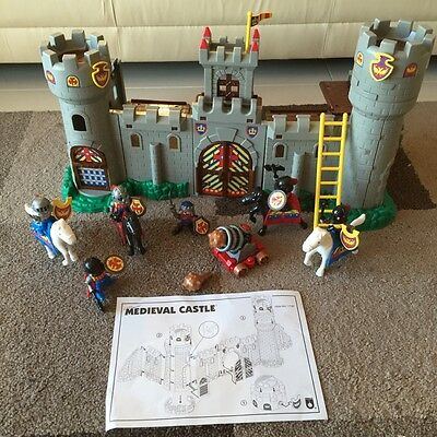 Medieval adventure castle knights, horses, cannon, trap doors Ex condition
