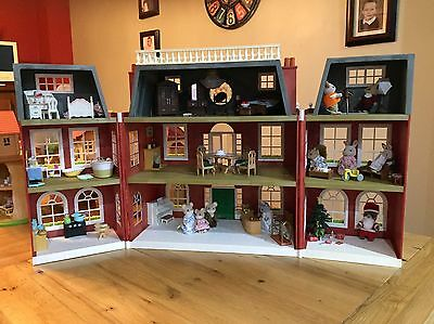 Sylvanian Families Grand Regency Hotel Plus Accessories