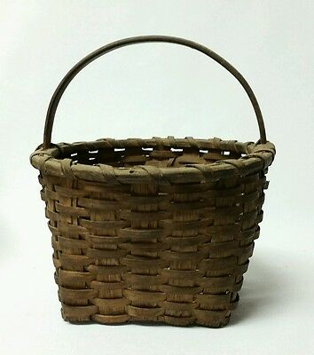 Small Antique New England Splint Basket, Square to Round With Handle