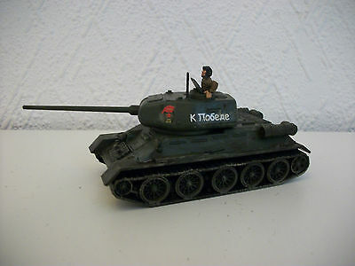 Painted 28mm WW2 Bolt Action T34/85 Tank Miniatures