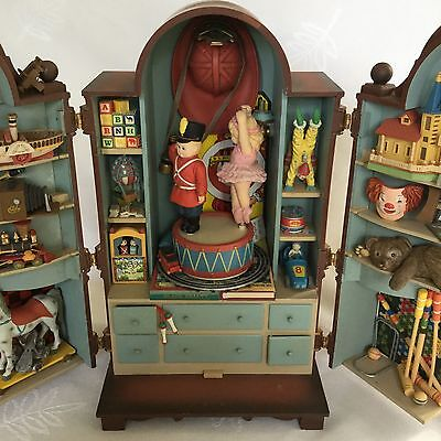 """Rare Enesco The Dream Keeper Animated Musical Toy Cabinet Box Plays """"Memories"""""""