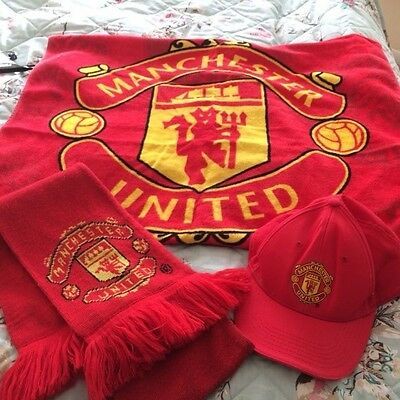 Manchester United towel, scarf and hat