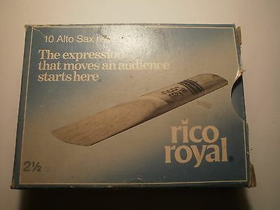 vintage box of 6 Rico Royal ALTO SAXOPHONE strength 2½ reeds