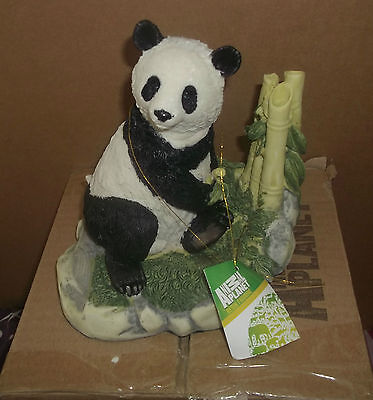ANIMAL PLANET GIANT PANDA FIGURINE WITH BAMBOO - new boxed