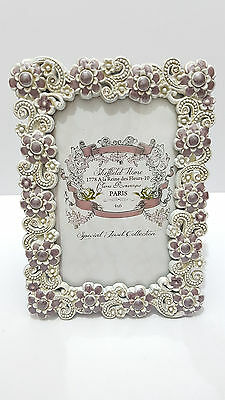 Pretty Photo Frame - Vintage/ Shabby Chic Looking Brand New