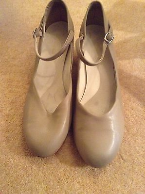 New Yorker Dance Shoes Size M9L