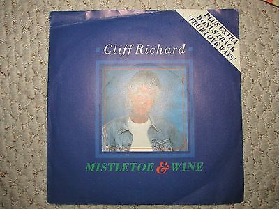 cliff richard mistletoe and wine christmas record