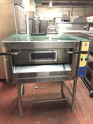 Cuppone G4/33S Gas Pizza Oven + Stand