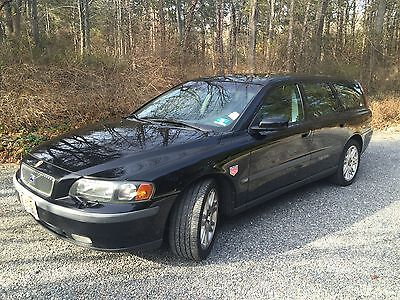 2004 Volvo V70 T5 with Sport Pkg 2004 Volvo V70 T5 with 5sp Manual Trans