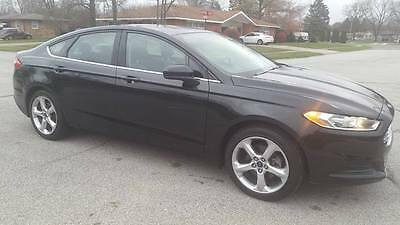 2014 Ford Fusion  2014 FORD FUSION WITH 25K MILES LIKE NEW