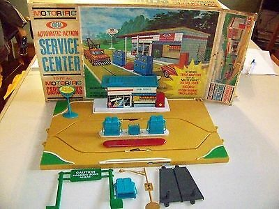 Ideal Motorific Service Center 1967 with Box Almost complete some extra parts.