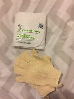 Body Shop Inflatable Bath Pillow And Exfoliating Gloves