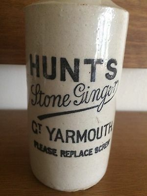 Hunts Stone Ginger Beer bottle of Gt Yarmouth