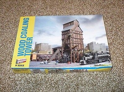 Walthers N Scale Train Wood Coaling Tower Coal Station 933-3823
