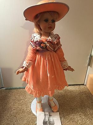 """Collectible doll Jan McLean """"Hannah"""" 530 of 3,500 with box, COA, stand"""