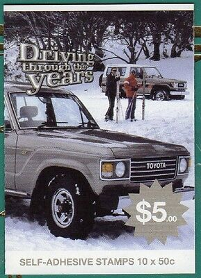 2006 AUST STAMP BOOKLET DRIVING THROUGH THE YEARS LANDCRUISER 10x 50c STAMPS MUH