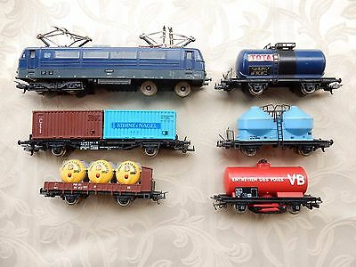 HO Scale Model Train –  Vintage LIMA Locomotive and 5 Carriages