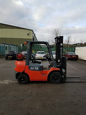 Toyota 2500Kgs Gas Forklift Truck